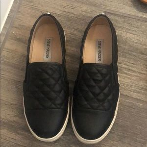 Steve Madden black leather slip on shoes
